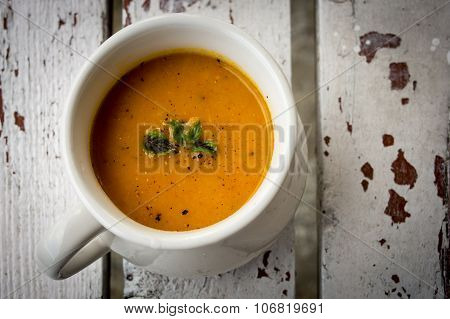 Soup with carrots, ginger and orange juice
