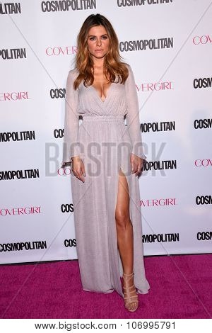 LOS ANGELES - OCT 13:  Maria Menounos arrives to the Cosmopolitan's 50th Birthday Party on October 13, 2015 in Hollywood, CA.