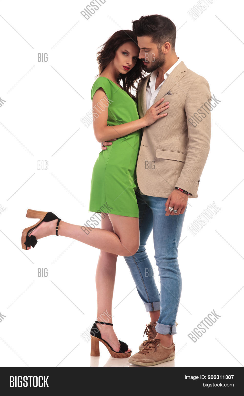 court-program-sexy-young-couples