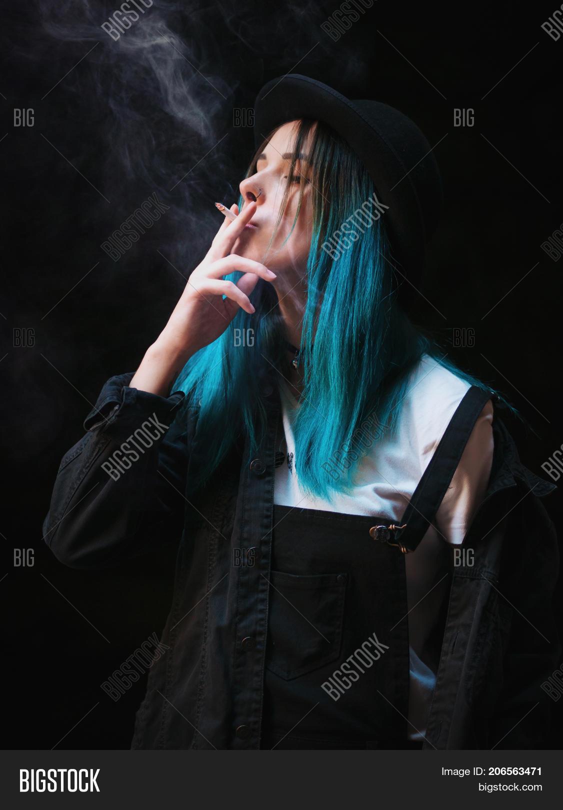 smoking cigarettes girls Emo
