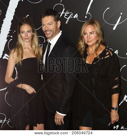 NEW YORK-SEP 13: (L-R) Georgia Connick, Harry Connick Jr and Jill Goodacre attend the