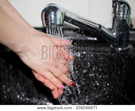hand washing with tap water . Photos in the studio