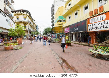 Panama City August 2017: In avenida central in August you can buy any kind of merchandise in the shops or banquets that are located in the pedestrian area