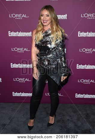 LOS ANGELES - SEP 15:  Hilary Duff arrives for the Entertainment Weekly Pre Emmy Party on September 15, 2017 in West Hollywood, CA