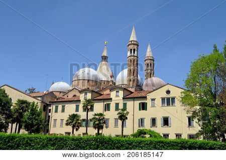 The Pontifical Basilica of Saint Anthony of Padua is a Roman Catholic church and minor basilica in Padua Northern Italy.