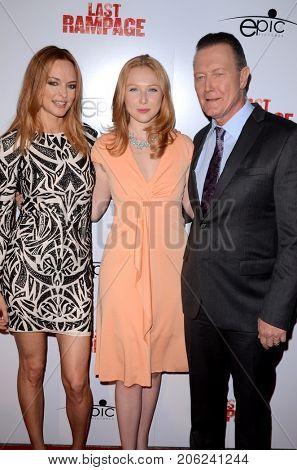 LOS ANGELES - SEP 21:  Heather Graham, Molly Quinn, Robert Patrick at the