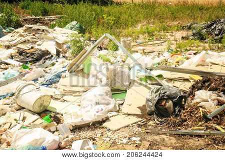 Garbage and wastes at spontaneous dump