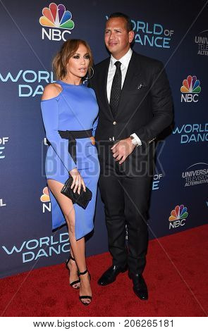 LOS ANGELES - SEP 19:  Jennifer Lopez and Alex Rodriguez arrives for the premiere of