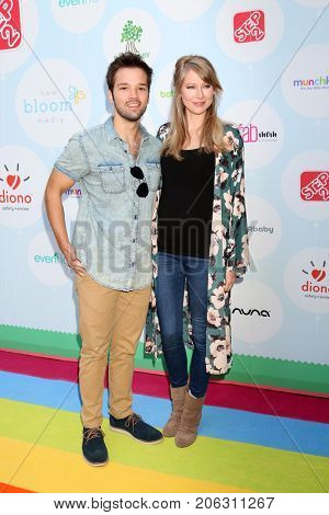 LOS ANGELES - SEP 23:  Nathan Kress, London Elise Kress at the 6th Annual Red CARpet Safety Awareness Event at the Sony Pictures Studio on September 23, 2017 in Culver City, CA