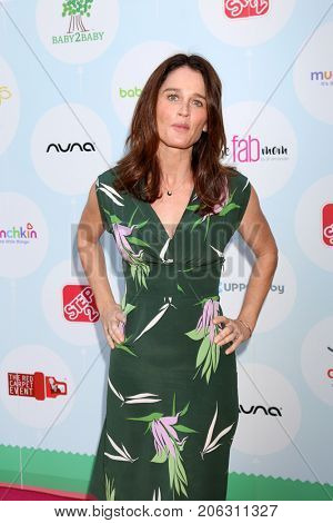 LOS ANGELES - SEP 23:  Robin Tunney at the 6th Annual Red CARpet Safety Awareness Event at the Sony Pictures Studio on September 23, 2017 in Culver City, CA