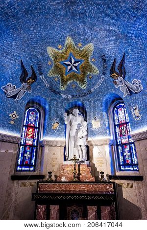 Sainte-anne-de-beaupre, Canada - June 2, 2017: Inside Basilica Of Sainte Anne De Beaupre With Statue