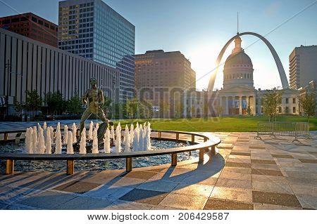 Sept. 23 2017 - St. Louis Missouri - Kiener Plaza and the Gateway Arch in St. Louis Missouri.