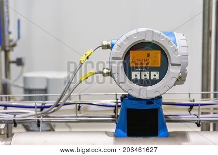 modern devices measure the flow of fluids allow efficient use of natural resources/modern device measuring the flow of any liquids
