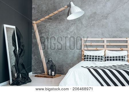 White Mirror With Blanket