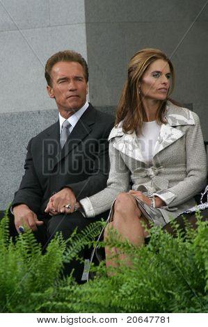 SACRAMENTO - NOV 17: Arnold Schwarzenegger, Maria Shriver at the inauguration of the new Governor in Sacramento, CA on November 17, 2003.