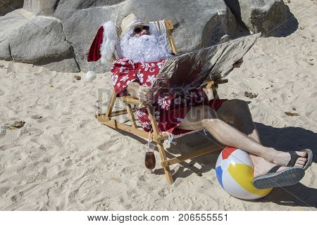 Santa Claus Tanning Using Reflector