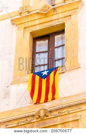 The Flag Estelada On The Facade Of The Building. Before The Referendum On Independence, Tarragona, C