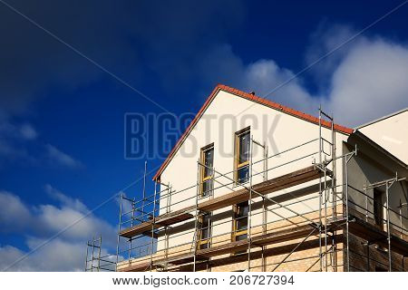 invest in cheap ecological new house building