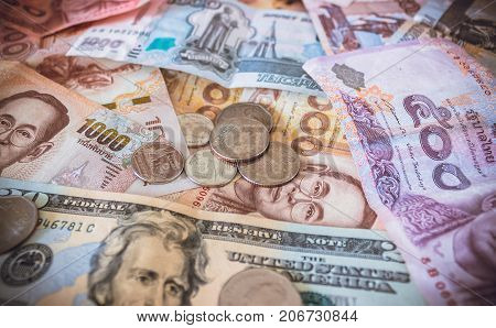 Money signs of different countries of the world