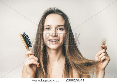 Woman with comb,spring beriberi,health care,beauty face,no problems