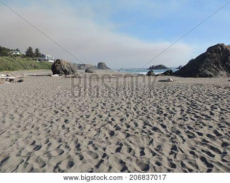 Beach near Brookings Oregon with sky and rocks