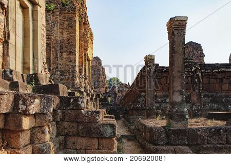 Walls of the The Pre Rup temple in Angkor Complex, Siem Reap, Cambodia. It has two enclosing walls and three tiers and was dedicated to the Hindu god Shiva. Ancient Khmer architecture, World Heritage