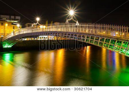 The ha'penny bridge in Dublin at night, Ireland