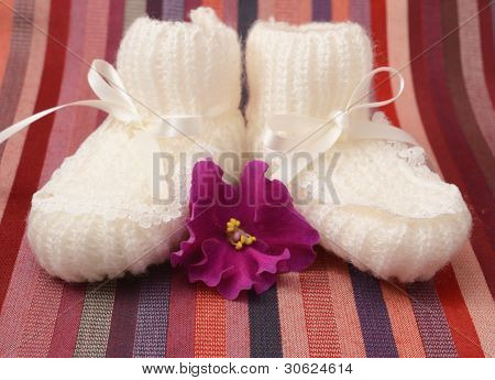 baby's bootees