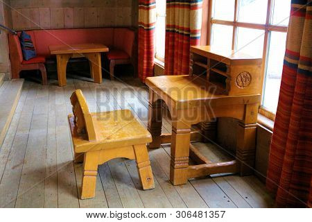 June 28, 2019 In Timberline Lodge, Or:  Vintage Furniture Including A Rustic Wooden Desk And Chair B