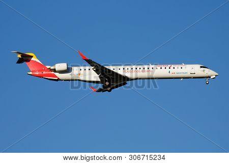 Iberia Regional Air Nostrum Bombardier Crj-1000 Ec-ljx Passenger Plane Landing At Madrid Barajas Air
