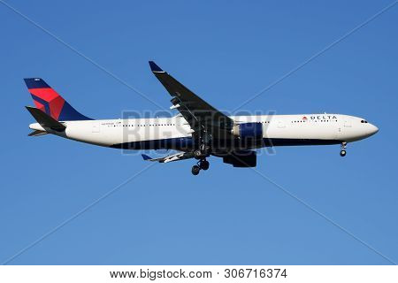 Delta Airlines Airbus A330-300 N810Nw Passenger Plane Landing At Madrid Barajas Airport