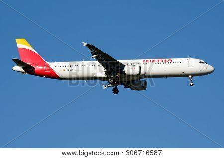 Iberia Airlines Airbus A321 Ec-jli Passenger Plane Landing At Madrid Barajas Airport