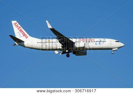 Air Europa Boeing 737-800 Ec-jhl Passenger Plane Landing At Madrid Barajas Airport