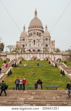 Paris, France - April 9, 2019: Basilique Du Sacre-coeur In Spring.