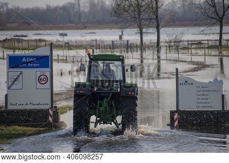 Aijen,limburg, Netherlands - Februay 1, 2021 - Landscape With Flooded River Maas In Bergen - Noord L