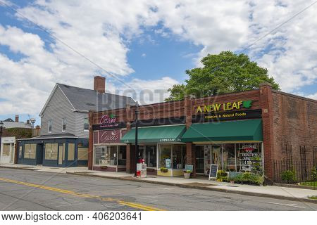 Beverly, Ma, Usa - Jun. 12, 2020: Historic Buildings On Cabot Street In Historic City Center Of Beve