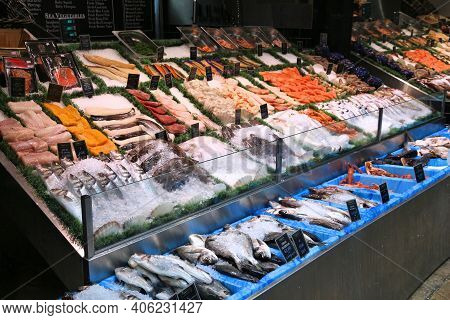 Leeds, Uk - July 11, 2016: Sea Food Stall At Leeds Kirkgate Market In The Uk. There Are 800 Stalls I