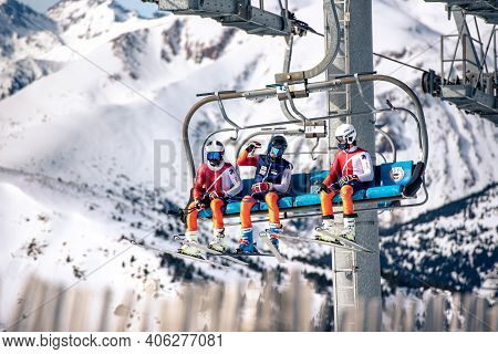El Tarter, Andorra : 2021 Febraury 2 : Young People On The Chairlift Going Up To The Grandvalira Ski