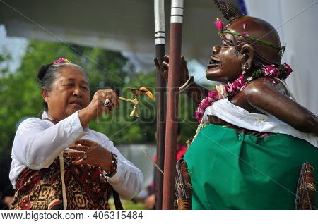 Yogyakarta, Indonesia - March 3, 2014: Hindus On The Island Of Java Hold The Tawur Agung Ceremony At