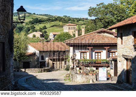 Plaza De Mayor In Santillana Del Mar, Cantabria, Spain. Typical Architecture In The Main Square Of S