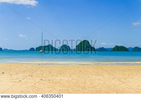 Beautiful Idyllic Seascape And White Sand On Krabi Province ,thailand.krabi - In Southern Thailand I