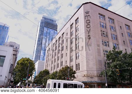 R. H. Macy & Co.-macy's  Is An American Department Store Chain Founded In 1858. Seattle. Us. August