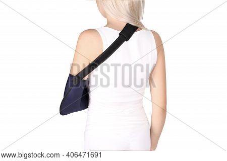 Shoulder Joint Brace. Bandage On The Shoulder Joint (scarf) With Additional Fixation. Deso Handwrap.