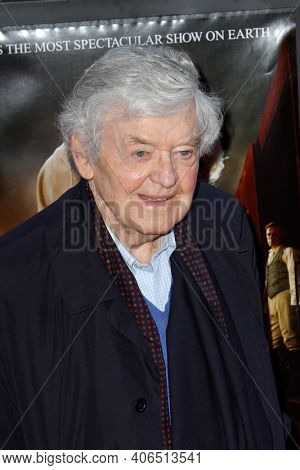 NEW YORK - APR 17: Actor Hal Holbrook attends the