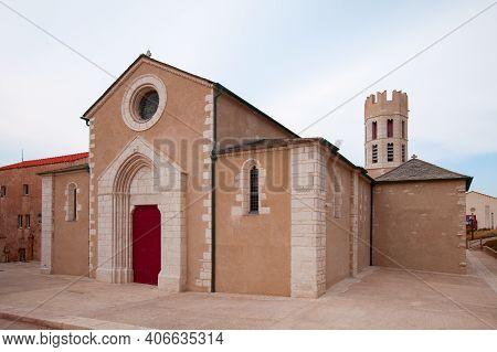Eglise Saint-dominique De Bonifacio. It Is A Church In Bonifacio, Corsica. It Is The Largest Church