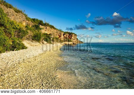 Beautiful Beach On The Caribbean Island Of Bonaire, Good Snorkel Dive Site On Island. Enjoy Relaxati