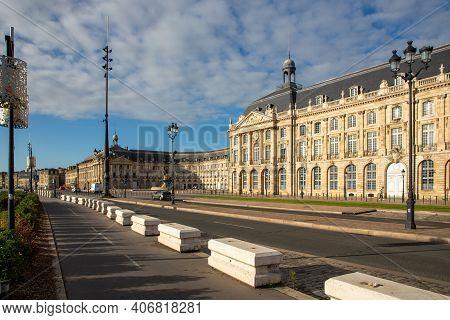 Bordeaux , Aquitaine France - 02 02 2021 : Building Aside Quay Street In City Center Of Bordeaux Fra