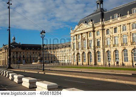 Bordeaux , Aquitaine  France - 02 02 2021 : Bordeaux Place De La Bourse With Quay Street Famous Squa