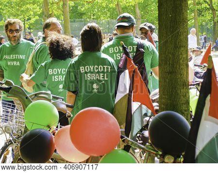 Paris France - June 22 2009; Protest Action In Paris Calling For Boycott Of Israel.