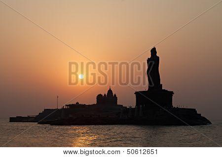 Vivekananda And Thiruvalluvar Statues